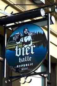 Republic Halle sign