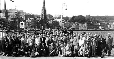 Large Gorbals Ward outing to Rothesay 1950s.
