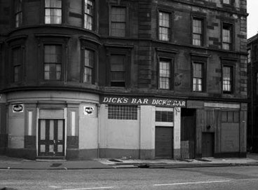 exterior view of Dick's Bar 1966.