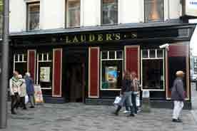 Lauders Bar 2008
