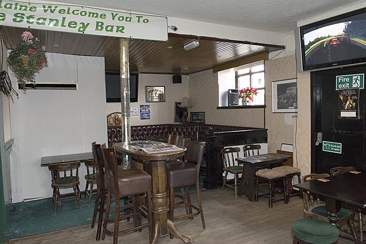 Stanley Bar 2016