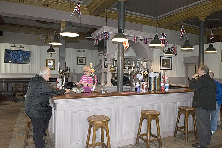 The Union Bar Paisley Road bar interior 2016