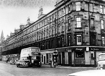 exterior view of the Gordon Bar 1960.