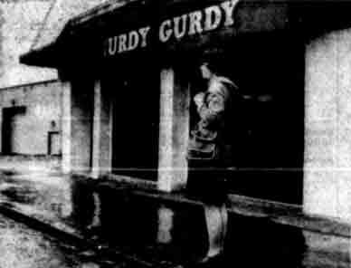 Hurdy Gurdy Town Head Glasgow 1979