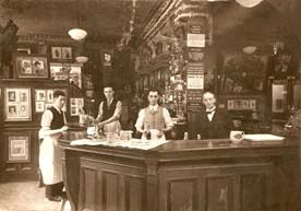Interior of the Horse Shoe Bar 1930s